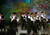 """SPECTACOLE – Ansamblul Folcloric National Transilvania, gazda unor evenimente de exceptie. Festivalul concurs national de romante """"Poveste de toamna"""" va avea loc la mijloc lunii noiembrie (VIDEO)"""